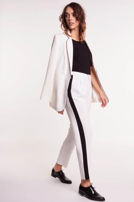 Elegancja i klasa w czarno-białym wydaniu