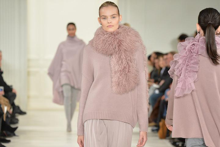 Sweter damski – ciepły i modny