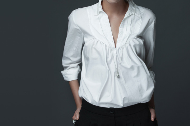 Bluzki damskie duże rozmiary – jak je nosić?