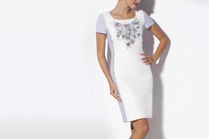 Sukienki dla kobiet po 50
