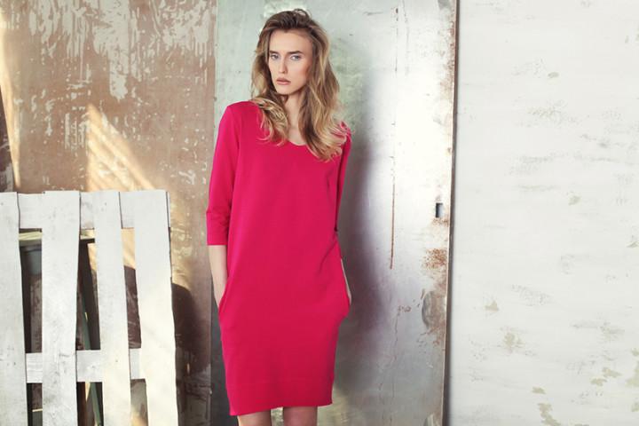 Sukienki w kolorze fuksji