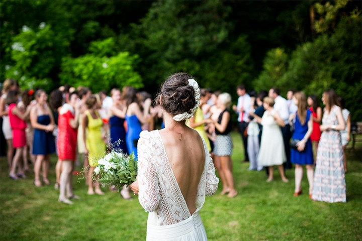 Propozycje sukienek na wesele dla mam państwa młodych