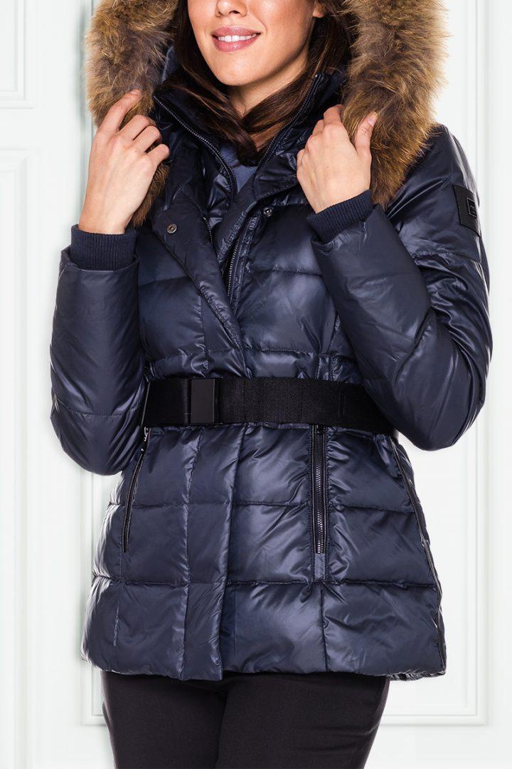 Granatowa kurtka z futrem z jenota – Ochnik