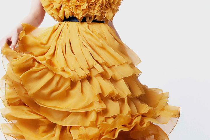 Hit sezonu – sukienki z falbanami