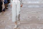 Trend lata 2017: Jasne spodnie