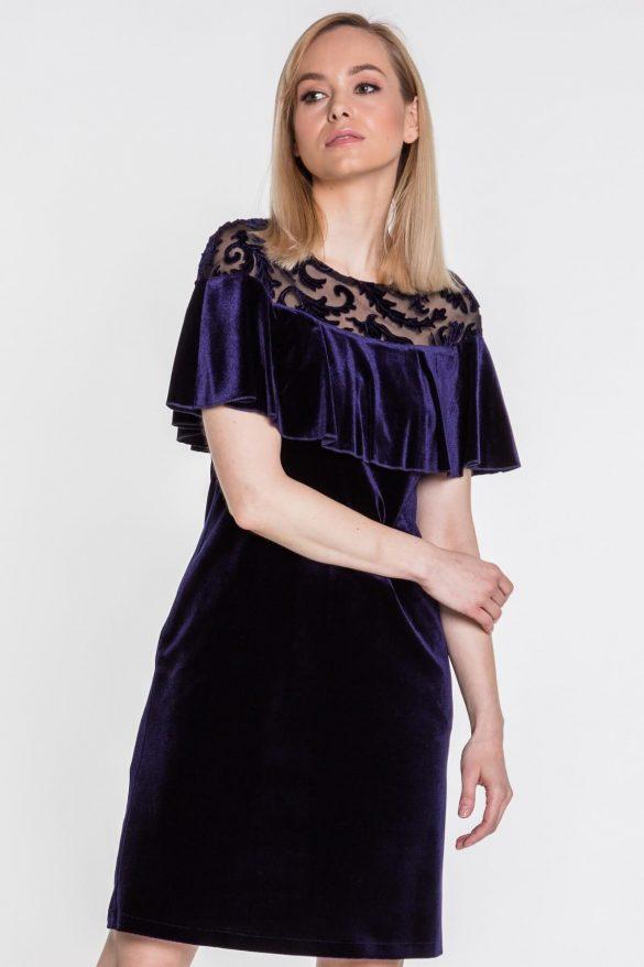 Sukienki na studniówkę – kupić czy uszyć?