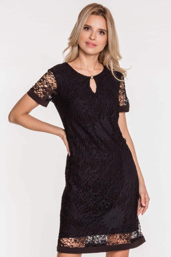 Dodatki do czarnej sukienki na wesele – jak ożywić czarną sukienkę?