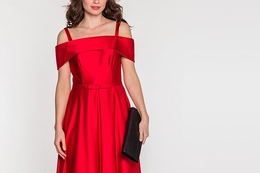 922cdc5e49 Dużą popularnością cieszą się chociażby czerwone sukienki na sylwestra