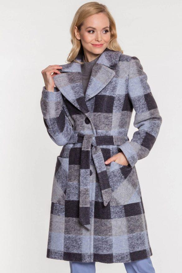 Szary płaszcz zimowy – ponadczasowa klasyka