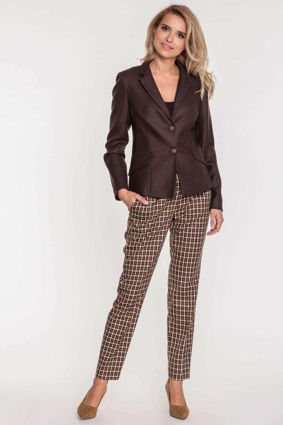 Eleganckie spodnie do biura  –  jaki fason wybrać?