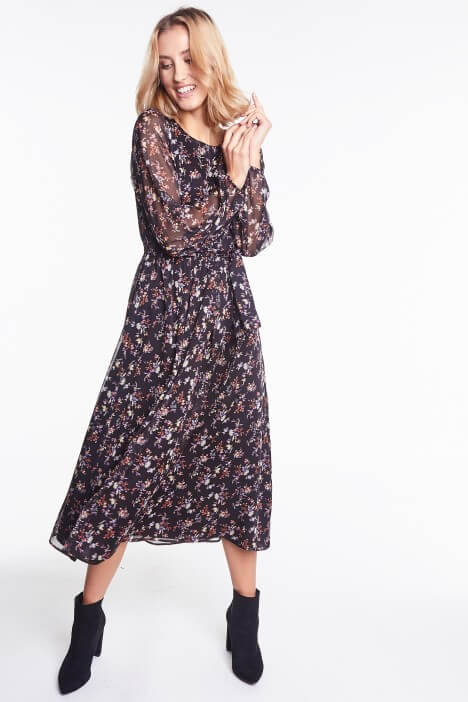 Eleganckie sukienki z długim rękawem