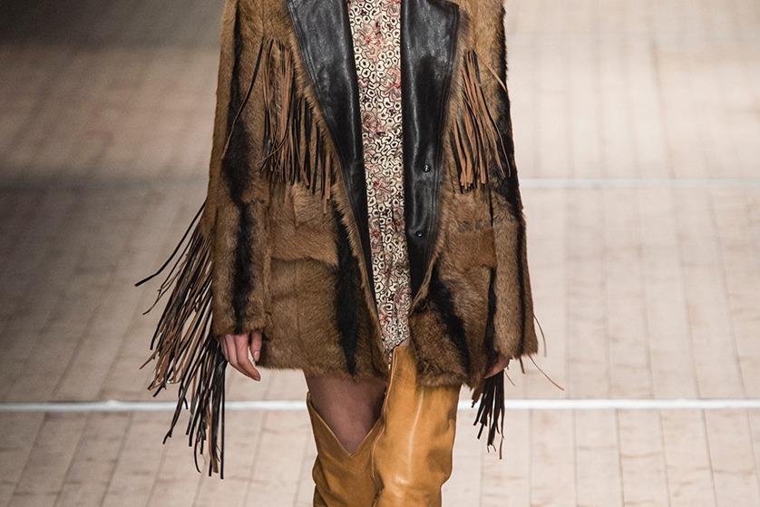 f10b87b326613 Styl western będzie jednym z najsilniejszych trendów. W tym sezonie motywy  charakterystyczne dla Dzikiego Zachodu królowały na wybiegach słynnych  domów mody ...