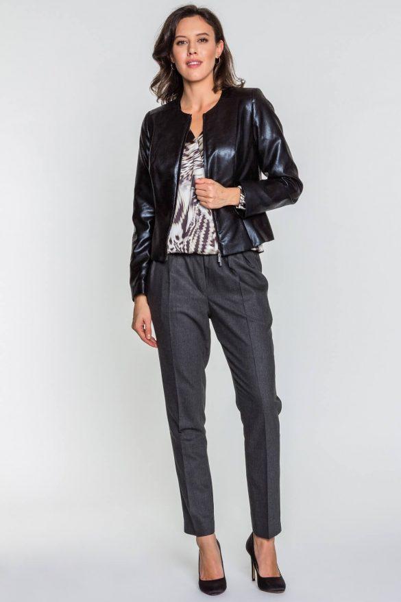 Czarny żakiet – obowiązkowy element garderoby kapsułowej