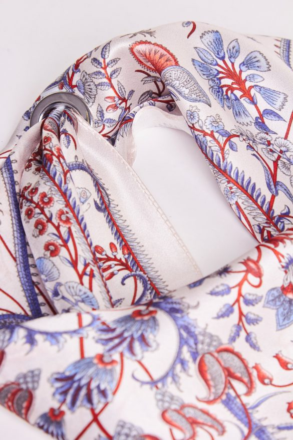 Apaszka – stylowy dodatek do stroju