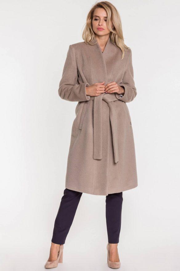Pastelowe płaszcze i kurtki – modna alternatywa dla czerni