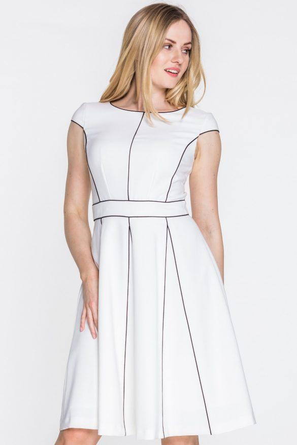 Czym zastąpić małą czarną? Biała, czerwona, a może kobaltowa sukienka?