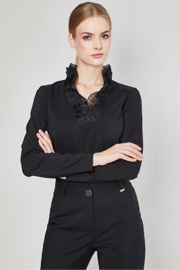 Bluzki damskie do biura. Inspiracje dla kobiet biznesu