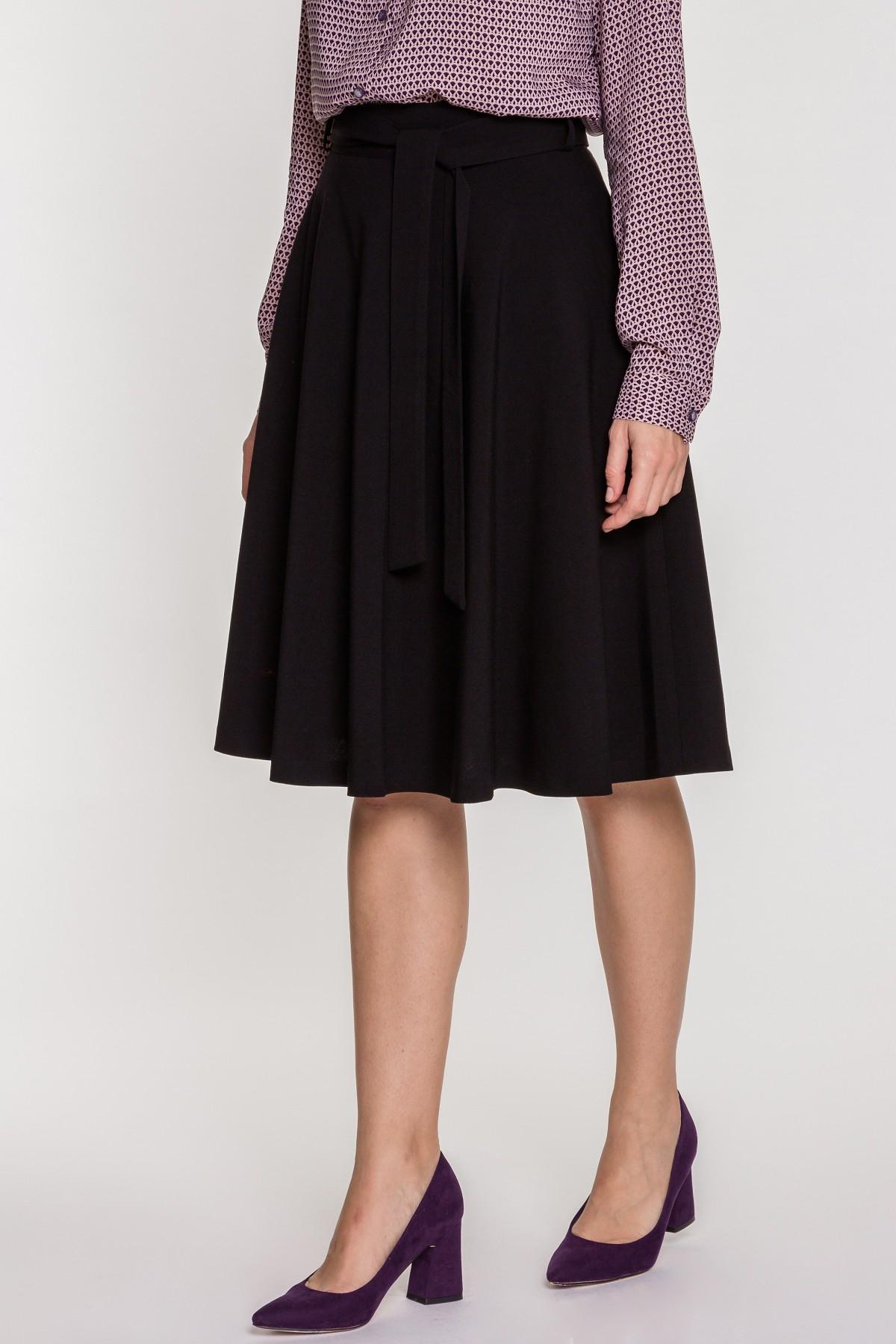 ef143db5dc Czarna spódnica – 6 sposobów na udane stylizacje - Blog o modzie ...