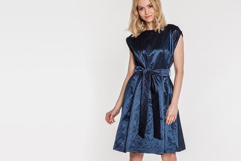 907b6da3ac Rozkloszowana sukienka to wygodne i zawsze modne rozwiązanie