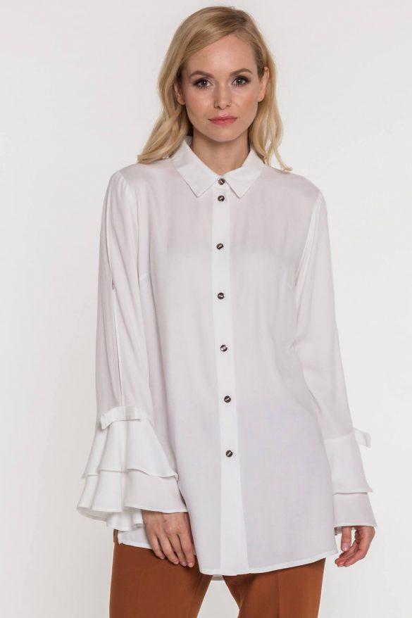 Bluzki z szerokimi rękawami – jak je nosić?