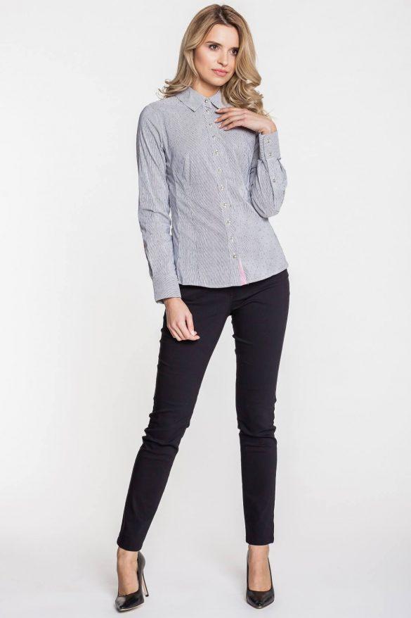 Wzorzysta koszula – z czym ją łączyć?