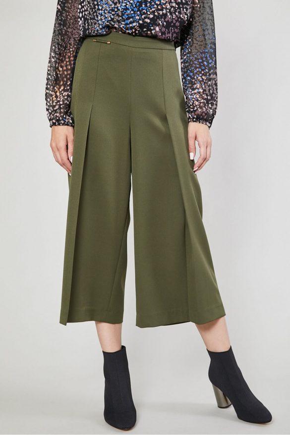 Wiosenna garderoba plus size – jak ubrać się modnie i z klasą?