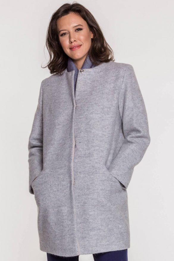 Jaki płaszcz dla puszystej?