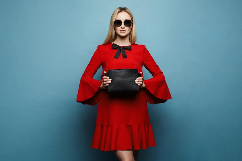 08c461c3c9 Czerwona sukienka to kwintesencja kobiecości. Chyba nie ma takiego drugiego  koloru