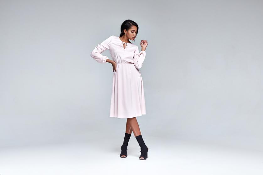 ad7d62ca40 Modne sukienki na rodzinne spotkania - Blog o modzie