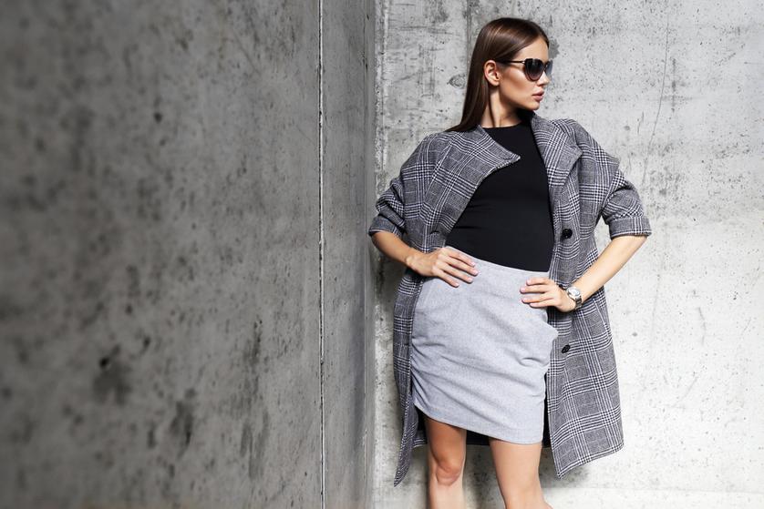 6302ae5996 Spódnica w kratkę czy gładka – jaką wybrać na zimę  - Blog o modzie ...