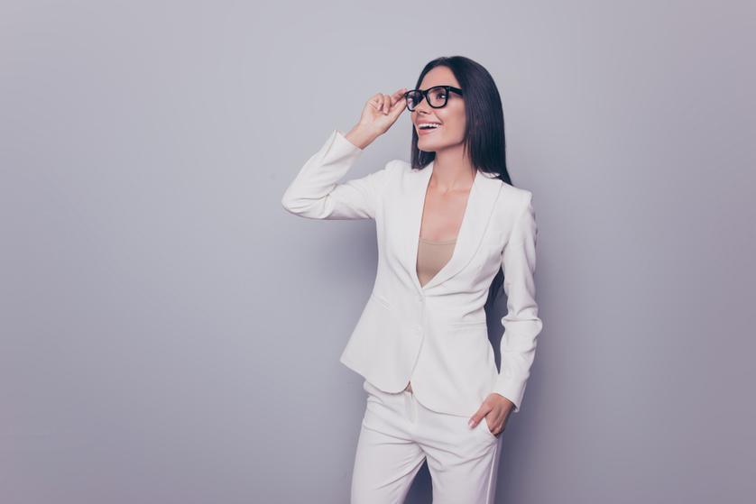 0886428c55 Biały garnitur damski – bądź modna latem - Blog o modzie