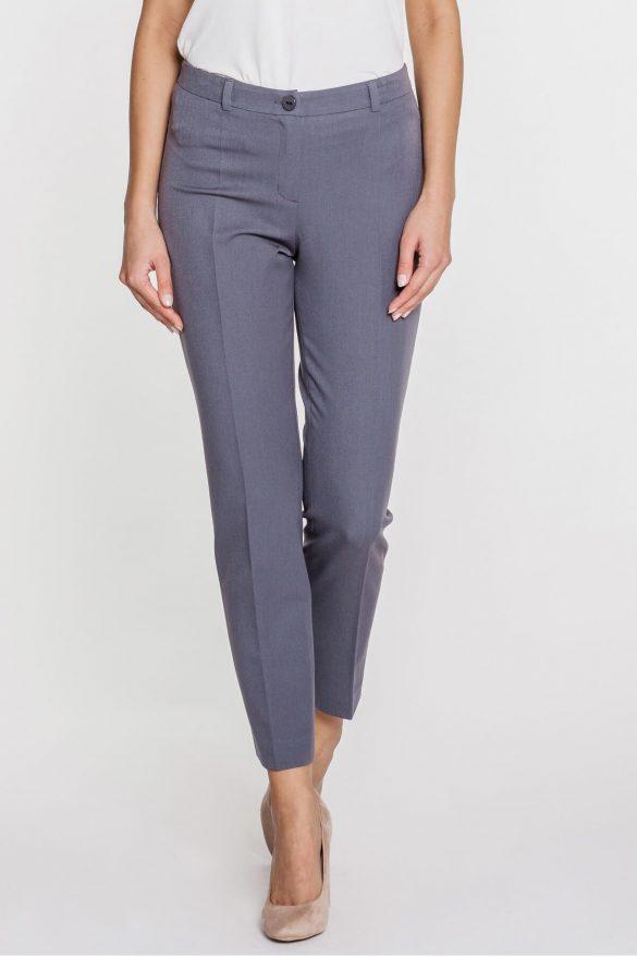 Eleganckie spodnie damskie – gładkie czy we wzory?