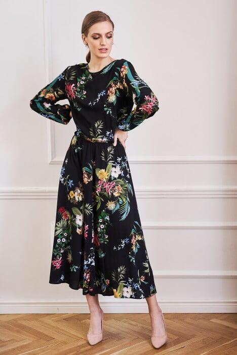 Rozkloszowana sukienka na różne okazje
