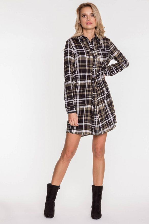 Sukienka w kratkę – najmodniejsze modele