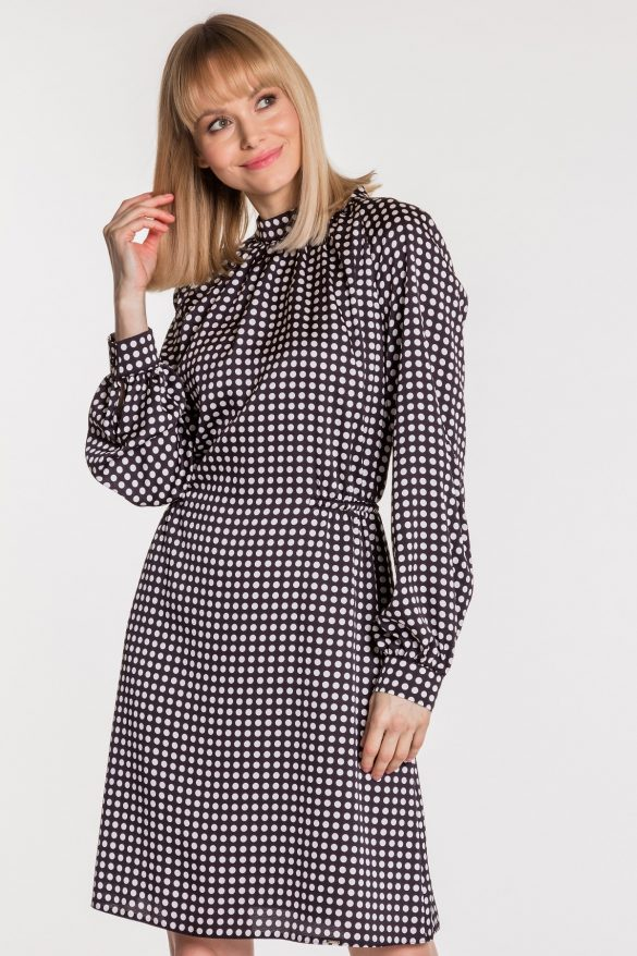 Sukienka w grochy – ponadczasowa klasyka