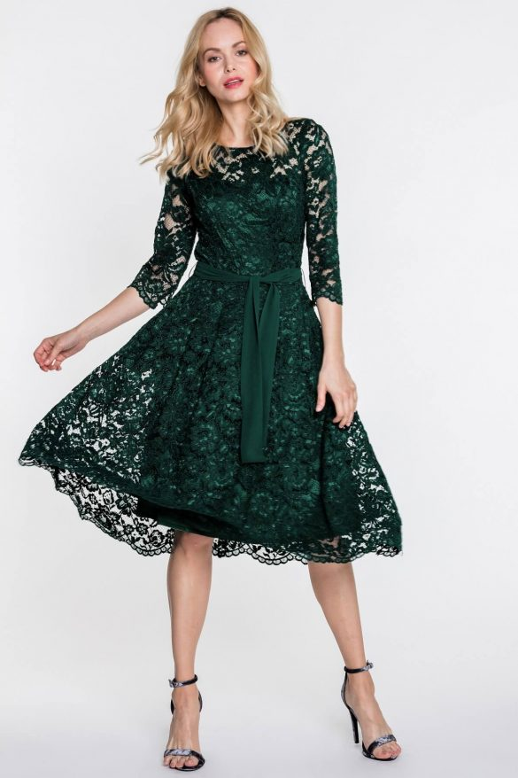Modne sukienki na rodzinne spotkania