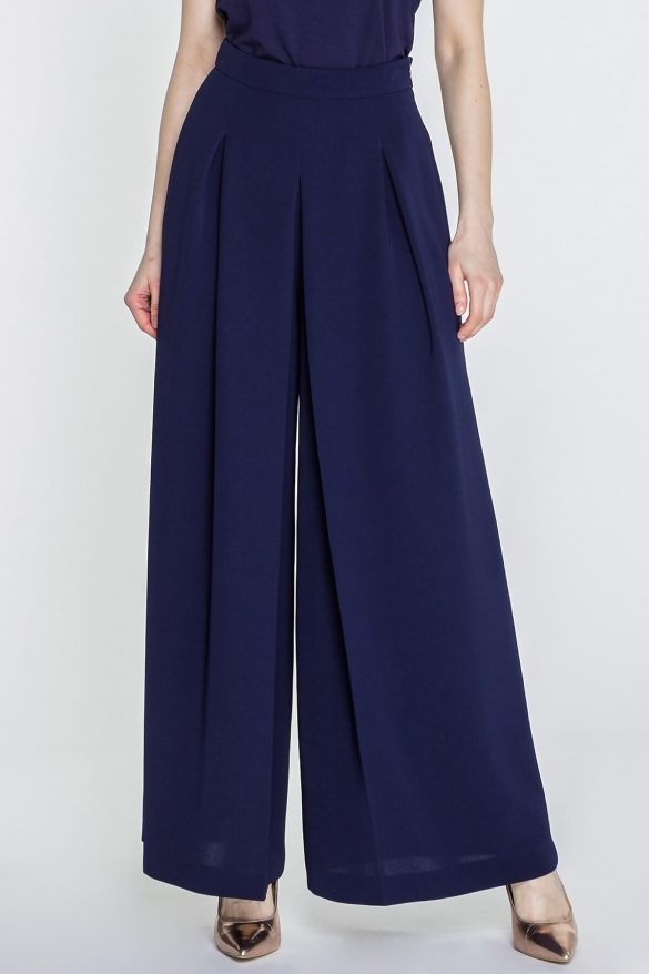 Oversize – jak nosić za duże ubrania i dodatki?