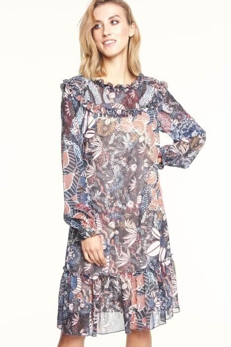 Sukienki wizytowe w rozmiarze plus size – modele na specjalne okazje