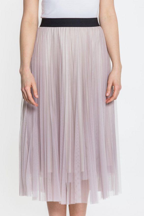 Spódnica tiulowa – poczuj się jak księżniczka