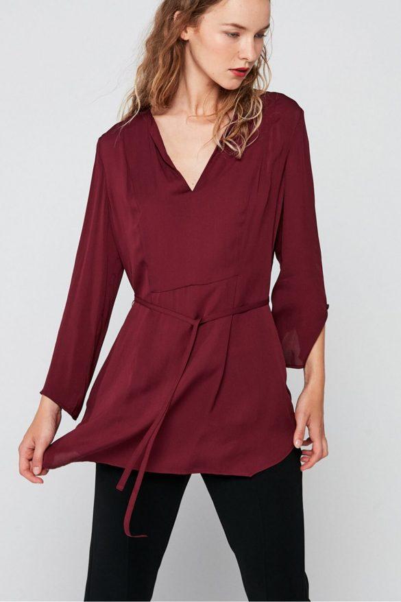 Bluzki oversize – modne i wygodne