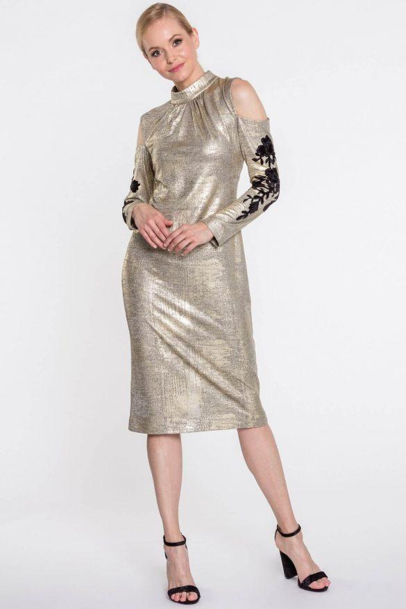 Złota sukienka – hit lat 80 znowu w modzie