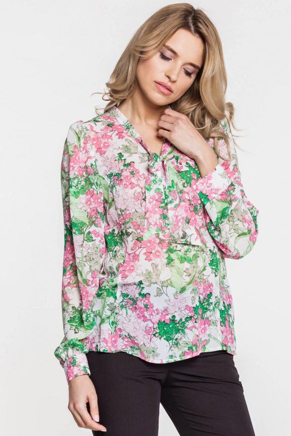 Bluzki i koszule w kwiaty – z czym je zestawiać?