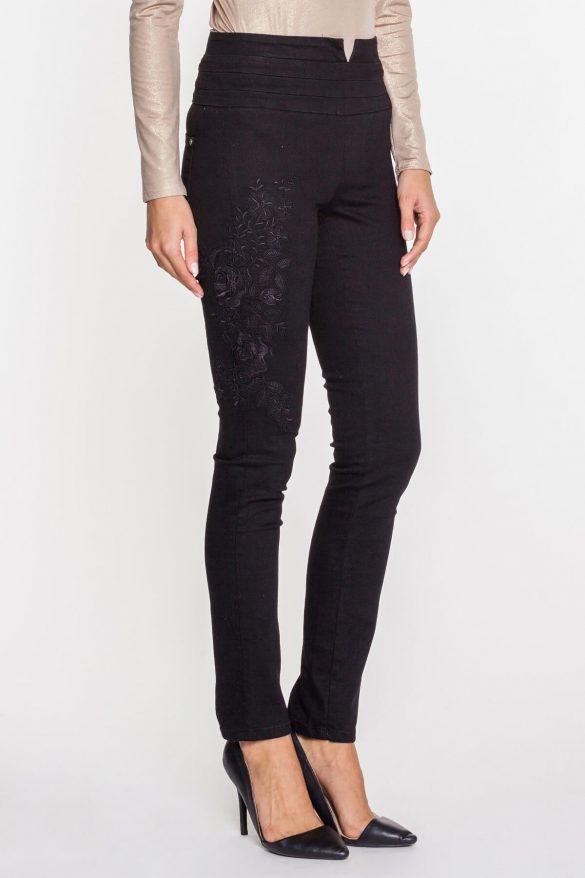 Modne jeansy w stylu gwiazd