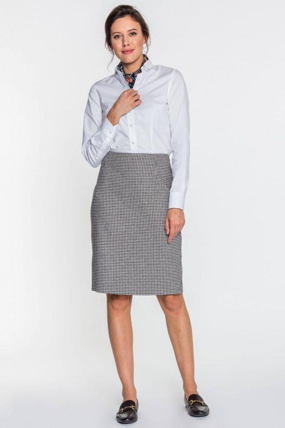 Spódnica w pepitkę – z czym nosić?