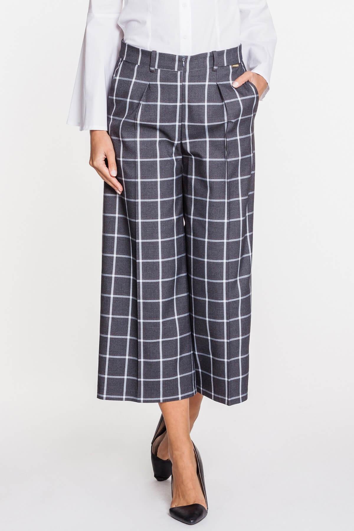 7080b3204983a3 Szerokie spodnie – jak je nosić? - Blog o modzie, urodzie i stylu