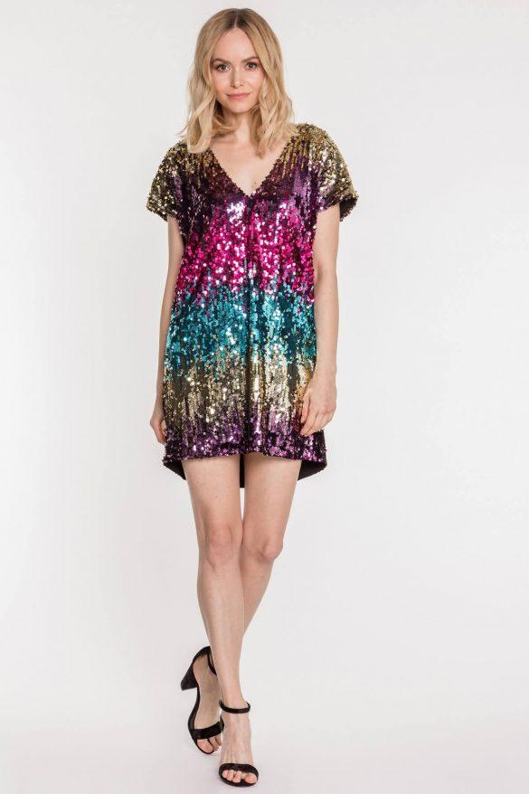 Sukienki wizytowe z połyskiem – ostatni krzyk mody