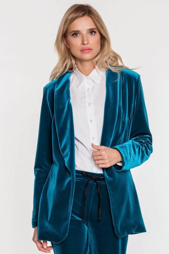 Welurowy żakiet – ostatni krzyk mody