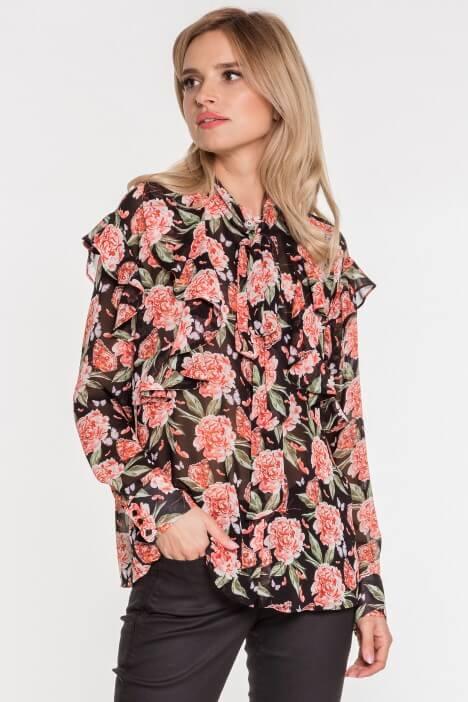 Bluzki w kwiaty – odkryj swoją romantyczną naturę