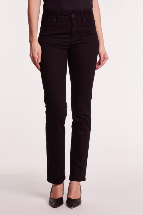 Jak dobrać spodnie jeansowe do figury