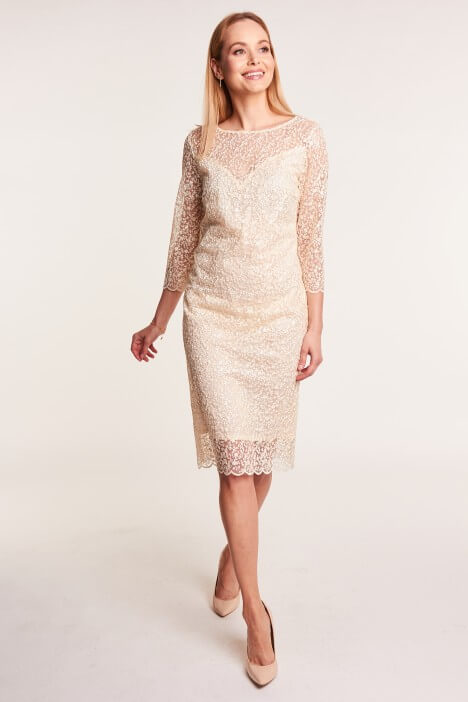 fd96d1550c Sukienki na wesele – najpiękniejsze modele. Kremowa sukienka koronkowa